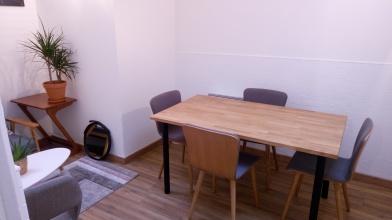 bureau pour 2 ou petite salle de réunion